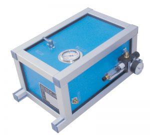 Máquina para la recarga de extintores de CO2 neumática, modelo KUD1